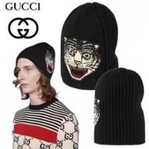 $650 Gucci unisex tiger head wool beanie